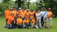 A group of high school age participants in the 2017 Forest Preserves Experience program.