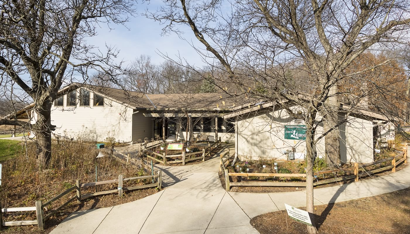 River Trail Nature Center Building in Northbrook