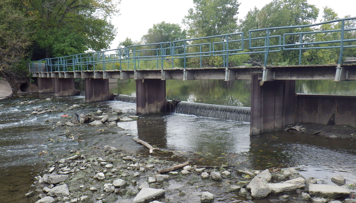 The dam on the North Branch of the Chicago River at Chick Evans Golf Course.