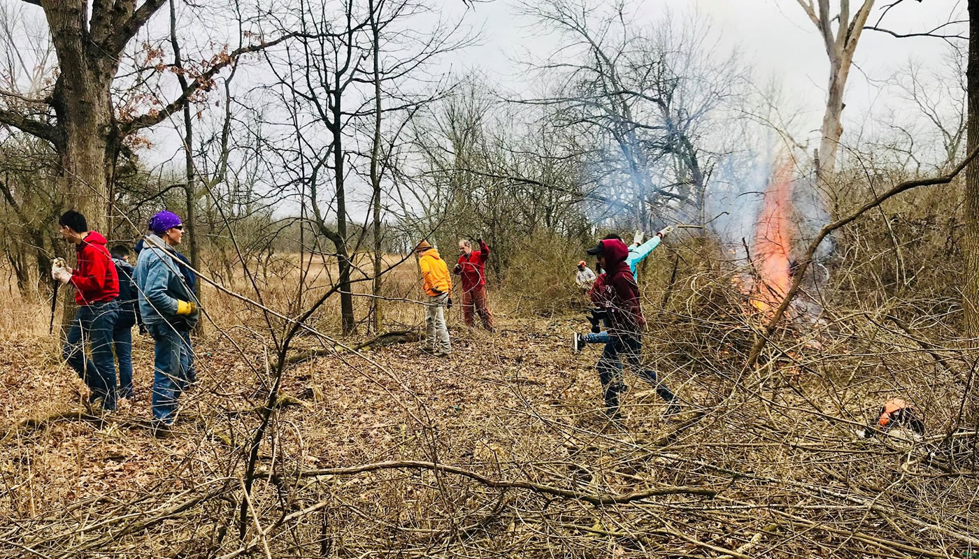 volunteers at Spears Woods