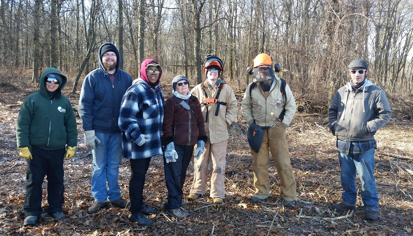 a group of volunteers at Wampum Lake. Photo by Xochitl Lopez.