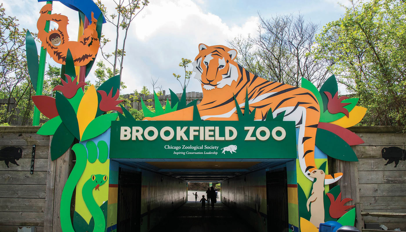 a sign for Brookfield Zoo