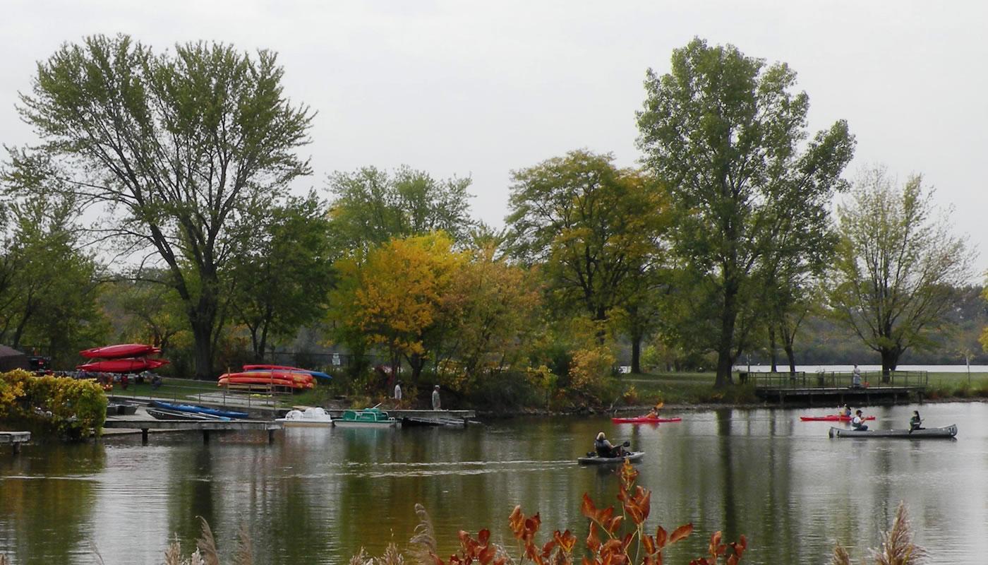 paddlers on Tampier Lake near the Tampier Lake Boating Center